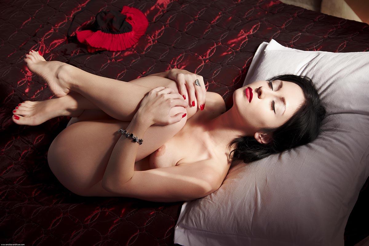 Night erotic pics nude videos