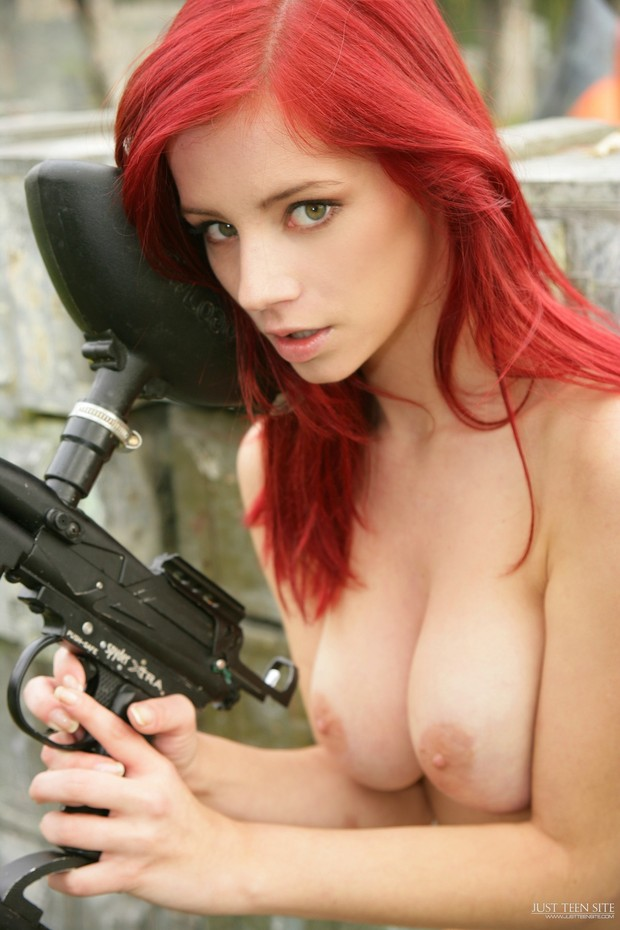 fuck-nude-babe-paintball-black-tits-shower